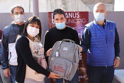"""Grindetti visitó los operativos de salud """"Ver para aprender"""" y el """"Taller de preparto"""", en Lanús Oeste"""