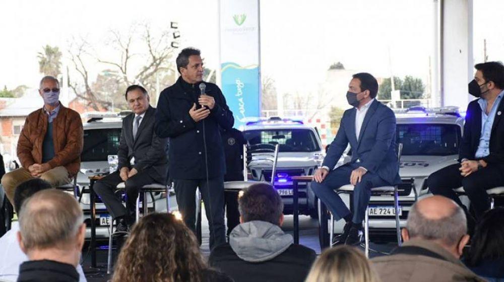 Entregaron móviles policiales y nuevas ambulancias para Florencio Varela