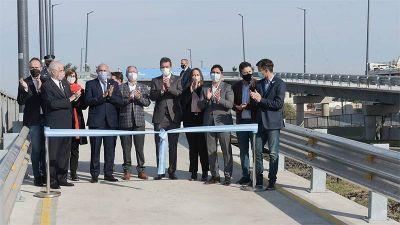 Descalzó encabezó la inauguración de los puentes vehiculares modulares de Ituzaingó