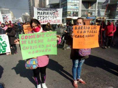 Jornada de protestas sociales en Mar del Plata, con marcha y quema de gomas en Luro e Independencia
