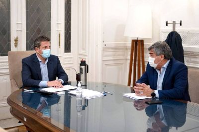 En medio de la pelea con las empresas de telecomunicaciones, Massa se mostró con Ambrosini, titular del Enacom