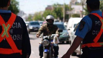 Detendrán a motociclistas que circulen sin casco en Córdoba