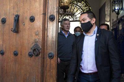 El desembarco de Mauricio Macri en la campaña de María Eugenia Vidal se convirtió en una comedia de enredos