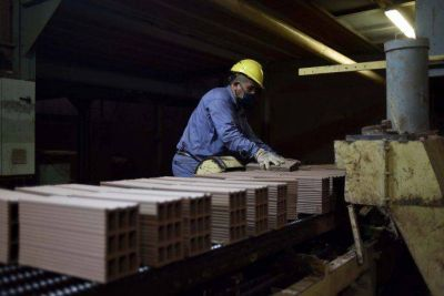 Economistas ven un crecimiento del PBI en torno al 8% este año