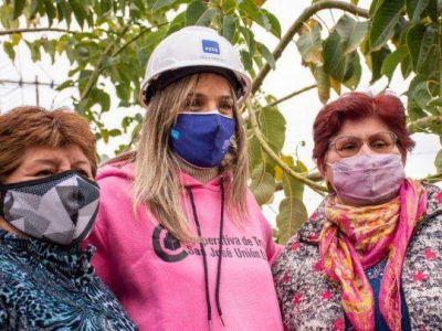 Malena Galmarini recorrió una obra de agua potable que beneficiará al 100% del Barrio Mercado de Tres de Febrero