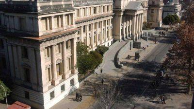La Justicia de Córdoba licenciará sin sueldo a judiciales que se nieguen vacunarse