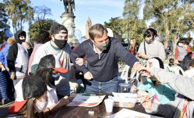 Cascallares participó de una jornada cultural inclusiva junto a vecinos de Alte. Brown