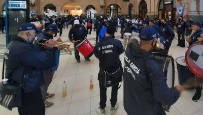 Vigiladores privados marchan para reclamar el fin de la intervención de su obra social
