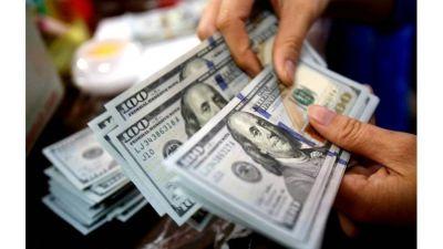 El dólar blue se mantuvo estable pero sigue sin bajar del piso de $180
