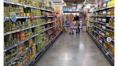 Supermercados apuntan contra industriales por falta de productos en un plan oficial