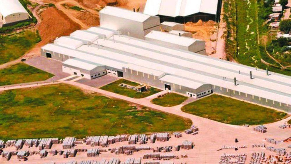 Día de la Industria: la UIA eligió la planta de Cerámica Alberdi para la celebración