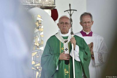 Mons. Guido Marini deja de ser Maestro de Celebraciones Pontificias