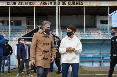 Mayra Mendoza visitó el predio de Argentino de Quilmes