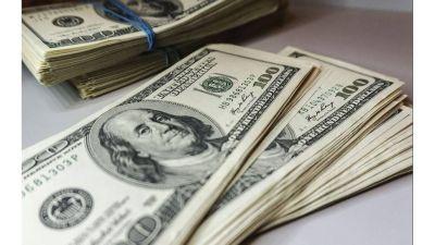 El dólar blue finalizó agosto con la menor suba en 5 meses