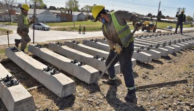 El intendente visitó las obras de renovación de vías entre Luján y Mercedes