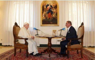 Entrevista a COPE: El Papa desmiente los rumores de renuncia tras su reciente operación