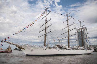 Tensión diplomática: los tripulantes de la Fragata Libertad no pueden descender en suelo chileno