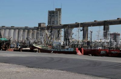 Demoras en el dragado del Puerto: el Concejo pide informes