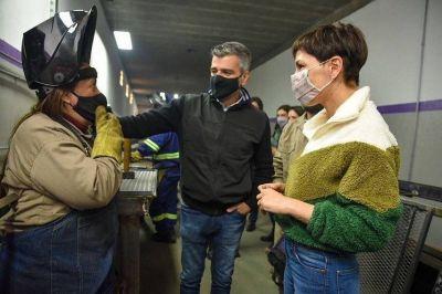 Mayra y Ministro de Desarrollo Social recorrieron talleres de oficio en Quilmes Oeste