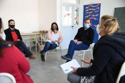 """Precandidatos de Juntos apuntan a """"fortalecer la educación"""" y advierten """"un retroceso muy grande por la decisión de cerrar escuelas"""""""