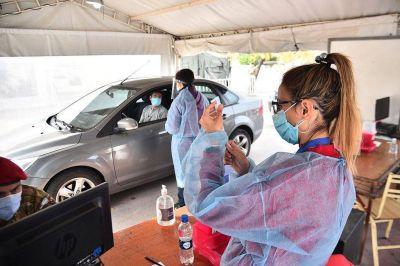 Vacunas AstraZeneca en Córdoba: el Ministerio comenzó a notificar este sábado segundas dosis