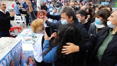 Facundo Manes llevó su campaña a Quilmes y La Plata