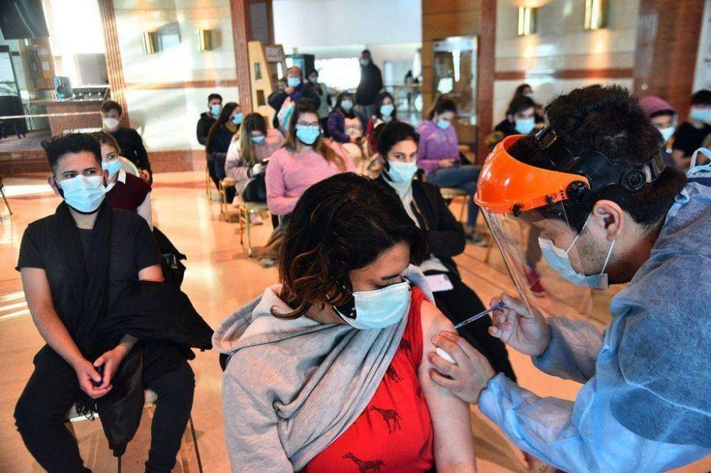 Covid-19 en Córdoba: vacunarán con primera dosis y sin turno a los mayores de 18 años