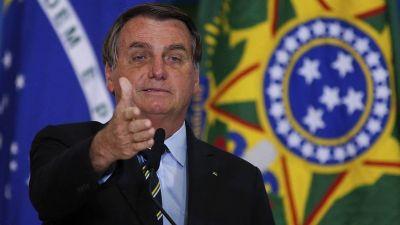 Bolsonaro le aseguró a la multitud que sólo Dios lo saca del cargo y que nunca irá preso