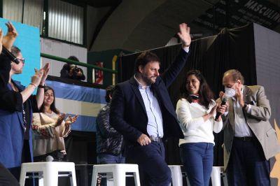 """Santoro, en el cierre de campaña: """"Sigamos hablando con las personas, sin prejuicios ideológicos"""""""