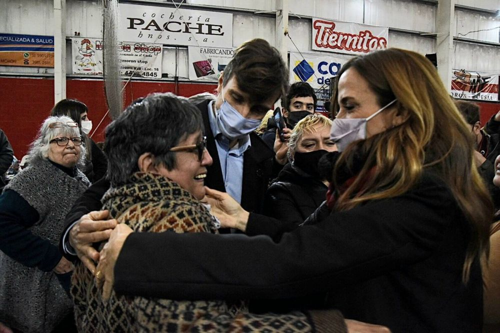 Tolosa Paz y el intendente Lucas Ghi compartieron actividades en Morón