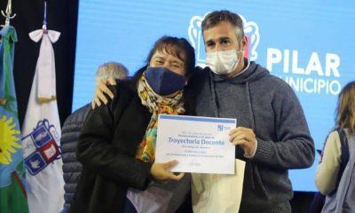 El Municipio reconoció a docentes de Pilar por el Día del Maestro