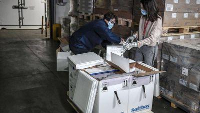 Argentina recibió el primer cargamento de vacunas Pfizer: quiénes recibirán esas dosis