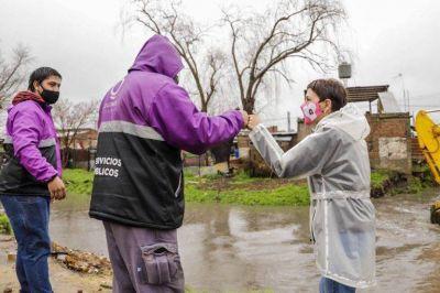 Mayra Mendoza supervisó el correcto drenaje de los arroyos