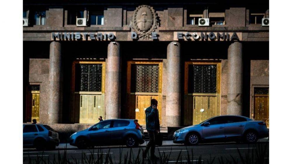 A cuatro días de las PASO, el Tesoro logró colocar $100.000 millones