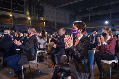 Mayra junto a Alberto y a Cristina en el cierre de campaña nacional del Frente de Todos