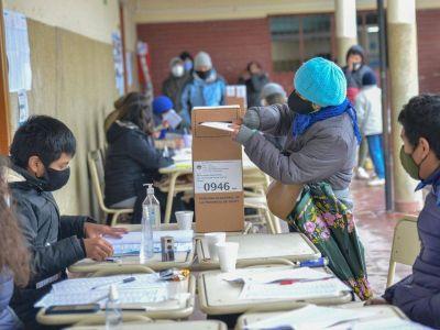 Elecciones: qué deben hacer los que están en cuarentena tras volver de viaje y qué pasa si no voto