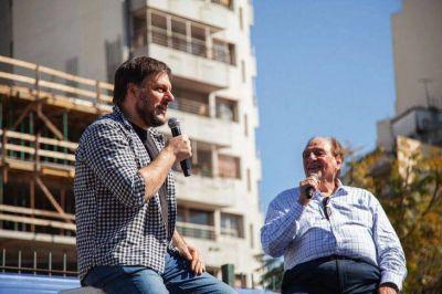Leandro Santoro votó en Boedo y reveló cuál es su cábala en la jornada electoral
