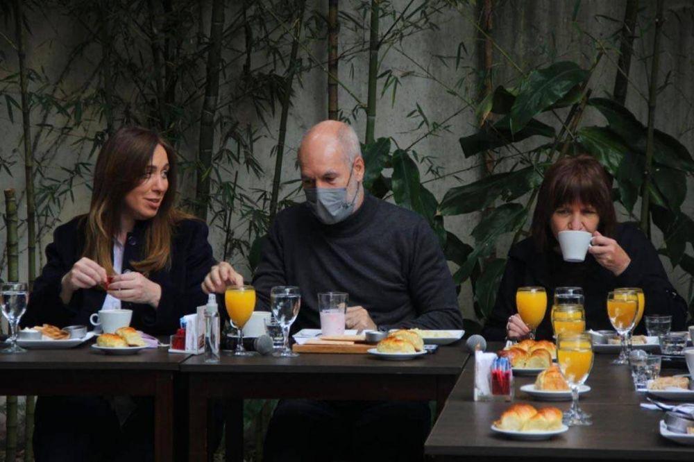 Larreta encabezó el desayuno de Juntos por el Cambio junto a su precandidata María Eugenia Vidal