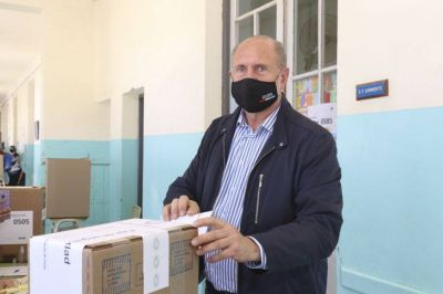 Elecciones PASO 2021: victoria amplia de JxC sobre el FdT, que resolvió interna en favor de Perotti