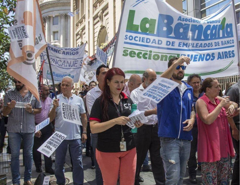 Bancarios activan protestas en la city y denuncian cierres compulsivos de sucursales y flexibilización laboral