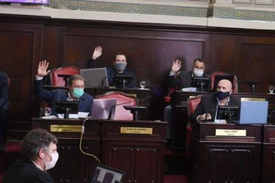 Tras la derrota electoral, la oposición le pide a Kicillof discutir los cargos vacantes