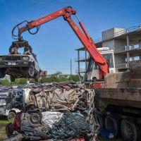 Compactan cerca de 600 autos y 1500 motos secuestradas en playones municipales