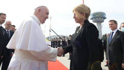 El Papa Francisco se despidió de Eslovaquia