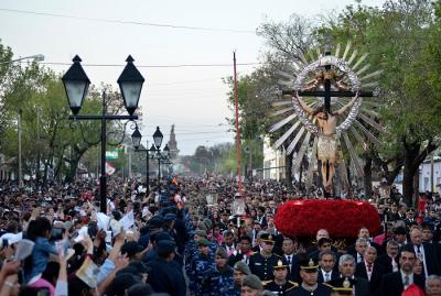La procesión del Señor y la Virgen del Milagro, sin fieles de a pie
