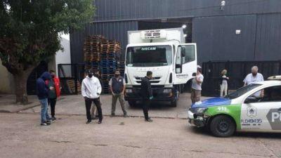 """""""Me vienen a arruinar esos hijos de puta"""": el llanto de un empresario pyme que denuncia presiones del sindicato de Camioneros"""