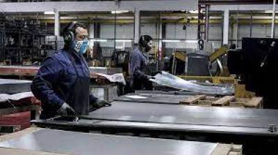 Se recuperó más de la mitad del empleo privado perdido por la pandemia