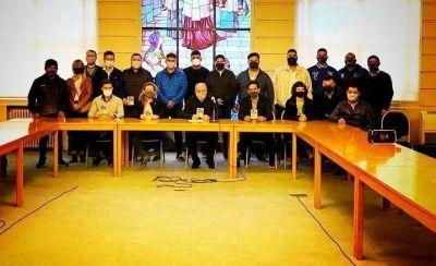 """La Juventud Sindical de la CGT y la Juventud Sindical Nacional se reunieron con Monseñor Lugones quien los instó a """"no bajar los brazos"""""""