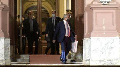 Cristina Kirchner impuso otro avance, el Presidente busca aval de gobernadores y la nueva batalla será en noviembre