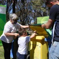 """Recolectaron una tonelada y media de residuos reciclables en el primer """"Eco-canje"""" del nuevo Punto Verde de Plaza Matheu"""