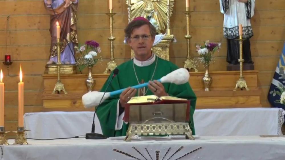 Obispo a políticos: Sacarse el 'tapón de cera del relato' y oír a la gente